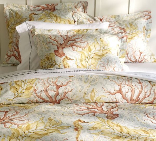 Your Organic Bedroom: Beachy Bedding For Your Summer House